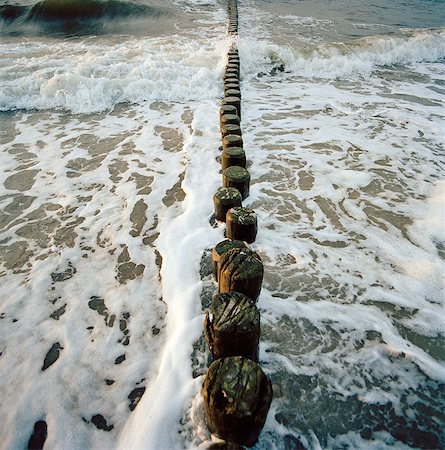 security - A groyne in the Baltic sea at Bad Doberan, on the island of Rugen, northern Germany Stock Photo - Premium Royalty-Free, Code: 649-08564438