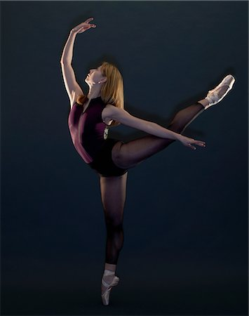 Young female ballet dancer in pose Stock Photo - Premium Royalty-Free, Code: 649-08565219