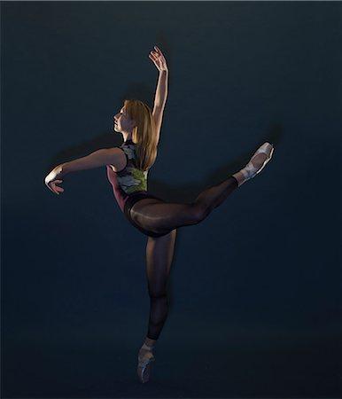Poised female ballet dancer Stock Photo - Premium Royalty-Free, Code: 649-08565220