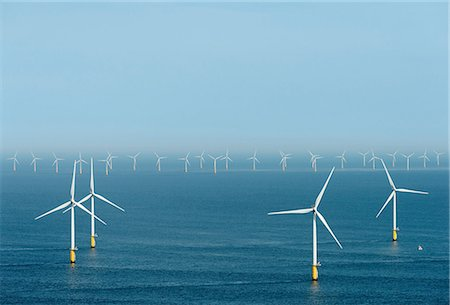 Offshore wind farm, North Sea Stockbilder - Premium RF Lizenzfrei, Bildnummer: 649-08660722