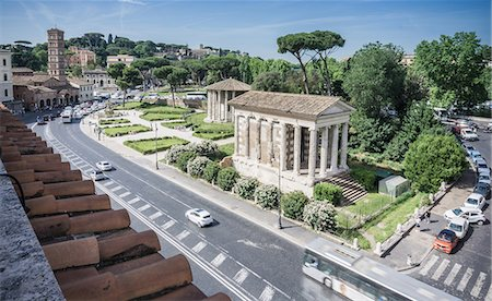 High angle scenic view of roman ruins and road, Rome, Italy Stock Photo - Premium Royalty-Free, Code: 649-08703370