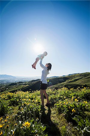friluftsliv - Mother and daughter in field, hiking the Bonneville Shoreline Trail in the Wasatch Foothills above Salt Lake City, Utah Stock Photo - Premium Royalty-Free, Code: 649-08714796