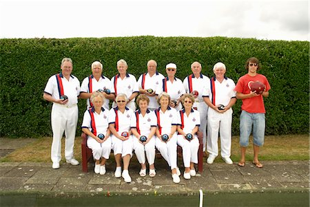 bowls team plus am odd one out Stock Photo - Premium Royalty-Free, Code: 649-03297513