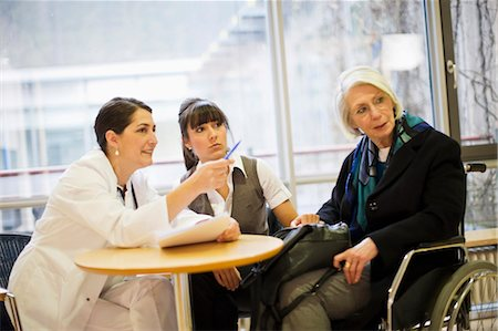 doctor in waiting room - Hospital Stock Photo - Premium Royalty-Free, Code: 649-03447164