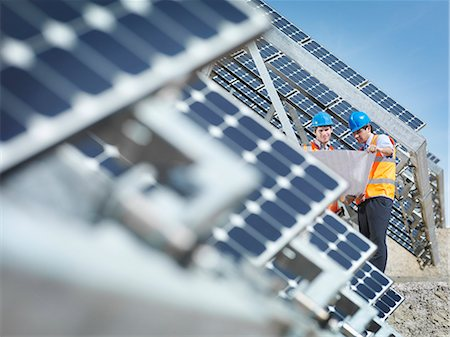 solar power - Spanish solar power station with workers Stock Photo - Premium Royalty-Free, Code: 649-03487480