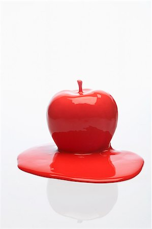 paint drips - red apple Stock Photo - Premium Royalty-Free, Code: 649-03666761