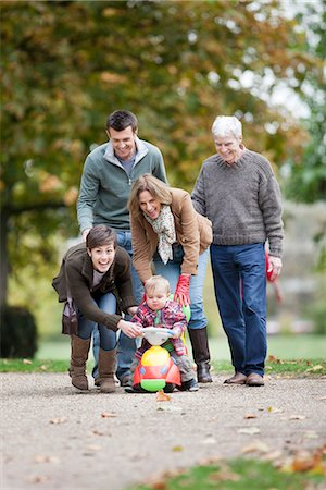 Family with small child in the park Stock Photo - Premium Royalty-Free, Code: 649-03775492