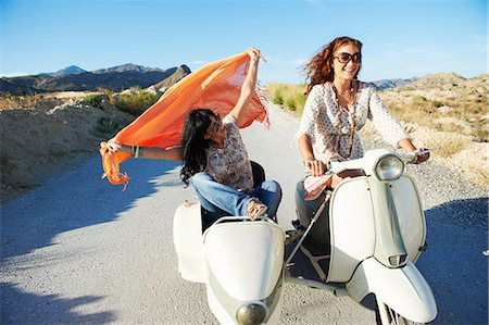 Women driving with motorbike and sidecar Stock Photo - Premium Royalty-Free, Code: 649-03772405
