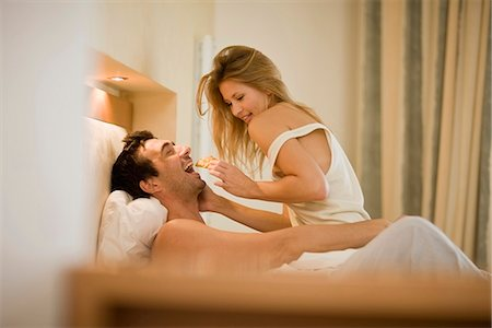Couple in bed Stock Photo - Premium Royalty-Free, Code: 649-03772911