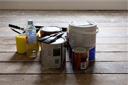 supply - Paint cans and brushes in empty house Stock Photo - Premium Royalty-Free, Code: 649-03858367