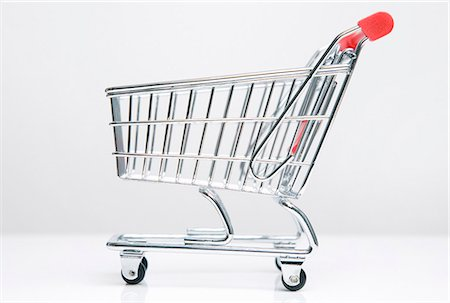 Empty shopping cart Stock Photo - Premium Royalty-Free, Code: 649-03883419
