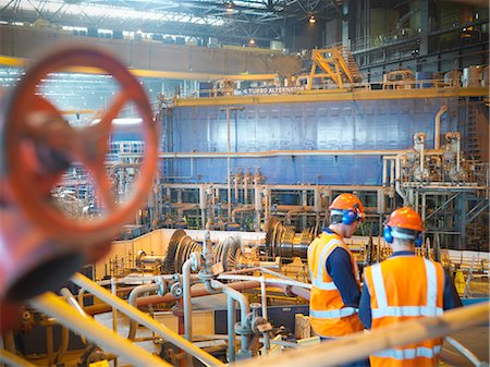 Workers with turbines in power station Stock Photo - Premium Royalty-Free, Code: 649-03883748