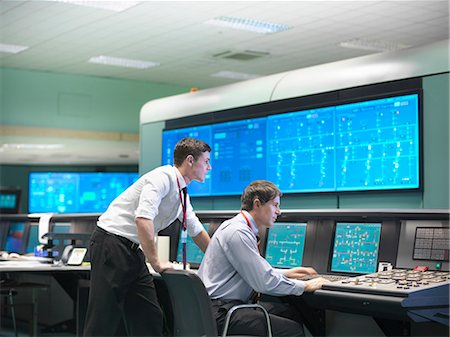 security - Operators in power station control room Stock Photo - Premium Royalty-Free, Code: 649-03883750