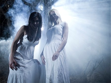 dead woman - USA, Utah, Cedar Hills, Portrait of vampires outdoors at night Stock Photo - Premium Royalty-Free, Code: 640-05761013