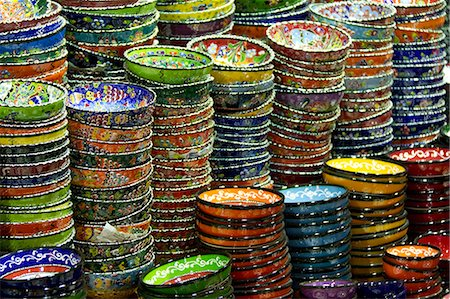 framed (photographic border showing) - Turkey, Grand Baazar, Close up of colorful bowls in stacks Stock Photo - Premium Royalty-Free, Code: 640-06963077