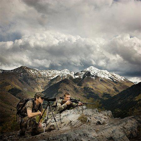 scope - hunter using binoculars to spot prey Stock Photo - Premium Royalty-Free, Code: 640-08089178