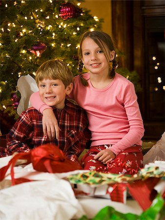 brother and sister at christmas Stock Photo - Premium Royalty-Free, Code: 640-02949396