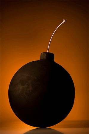 Bomb with lit wick Stock Photo - Premium Royalty-Free, Code: 640-03260669