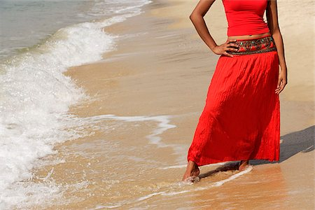 singapore traditional costume lady - woman standing on beach Stock Photo - Premium Royalty-Free, Code: 655-02702947