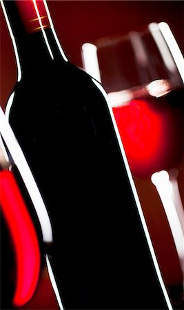 Red Wine Bottle; Glasses of Red Wine Stock Photo - Premium Royalty-Free, Code: 659-06154190