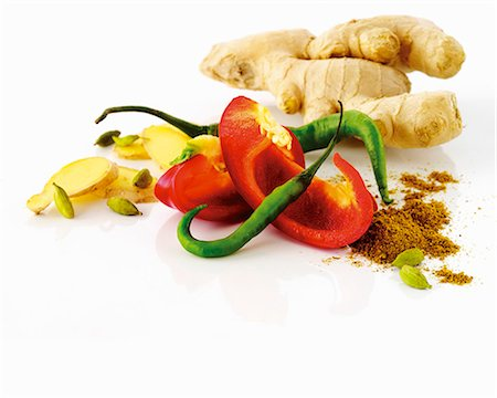Ginger, pepper, chili pepper, curry powder Stock Photo - Premium Royalty-Free, Code: 659-06154508