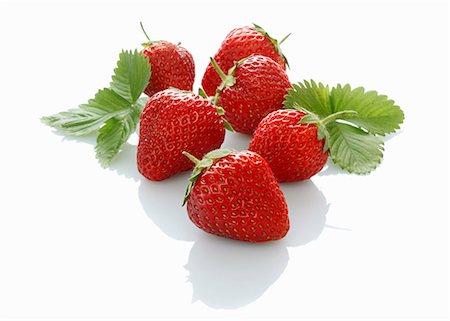 strawberries - Strawberries with leaves Stock Photo - Premium Royalty-Free, Code: 659-06154855