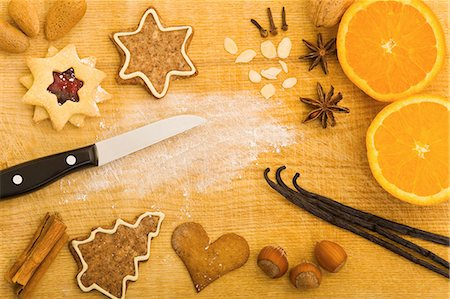 Christmas biscuits and baking ingredients, seen from above Stock Photo - Premium Royalty-Free, Code: 659-06155978