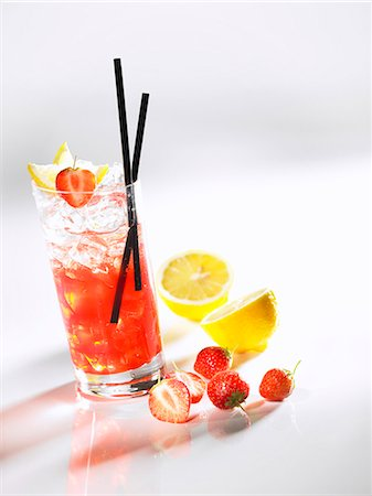 Red Mexx cocktail Stock Photo - Premium Royalty-Free, Code: 659-06151202