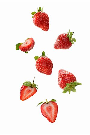 strawberries - Strawberries, whole and halved Stock Photo - Premium Royalty-Free, Code: 659-06152033