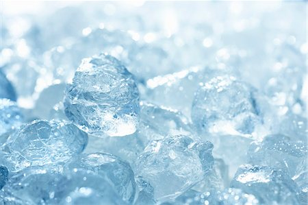 Ice cubes (full-frame) Stock Photo - Premium Royalty-Free, Code: 659-06184117