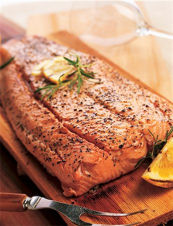 smoked - Cedar Plank Salmon with Lemon and Rosemary Stock Photo - Premium Royalty-Free, Code: 659-06184351
