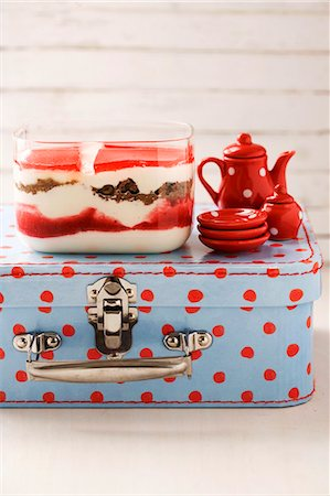sweet   no people - Quark dessert with black bread and fresh strawberries (Denmark) Stock Photo - Premium Royalty-Free, Code: 659-06184431