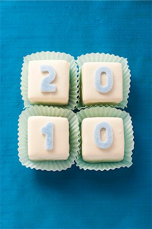 Petit fours for New Year's Eve Stock Photo - Premium Royalty-Free, Code: 659-06186298