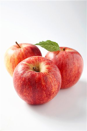 Three apples Stock Photo - Premium Royalty-Free, Code: 659-06186833