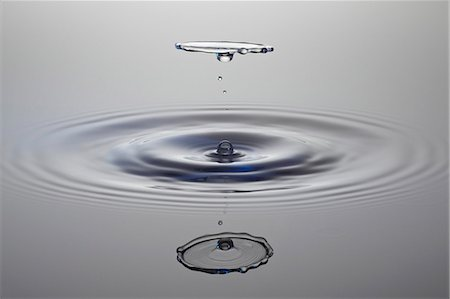 droplet - Drops of water Stock Photo - Premium Royalty-Free, Code: 659-06187028