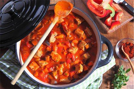 paprika - Hungarian goulash in a pot Stock Photo - Premium Royalty-Free, Code: 659-06187208