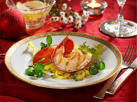 Lobster on a bed of parsley potatoes Stock Photo - Premium Royalty-Free, Code: 659-06187657