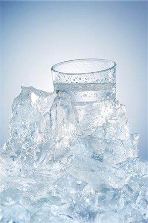 Water glass in a block of ice Stock Photo - Premium Royalty-Free, Code: 659-06188073