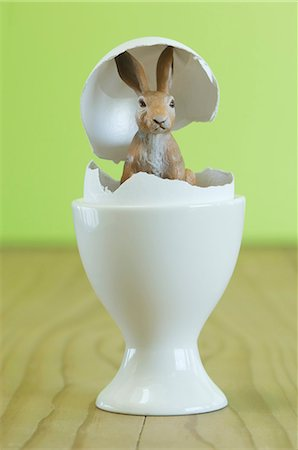 Easter bunny in an egg Stock Photo - Premium Royalty-Free, Code: 659-06188097