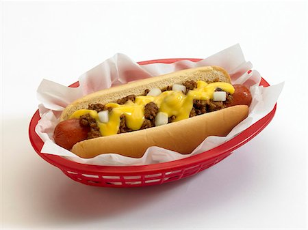 spicy - Chili Cheese Dog in a Plastic Take Out Container Stock Photo - Premium Royalty-Free, Code: 659-06188151