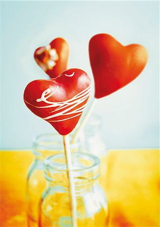 picture of a red lollipop - Heart-shaped cake pops Stock Photo - Premium Royalty-Free, Code: 659-06188327