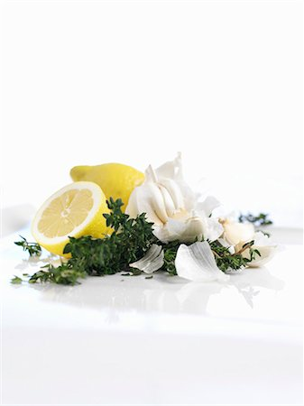 Garlic, thyme and lemons Stock Photo - Premium Royalty-Free, Code: 659-06306299
