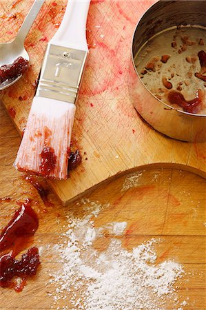 Dirty Tools and Pan From Making Strawberry Glaze Stock Photo - Premium Royalty-Free, Code: 659-06307277