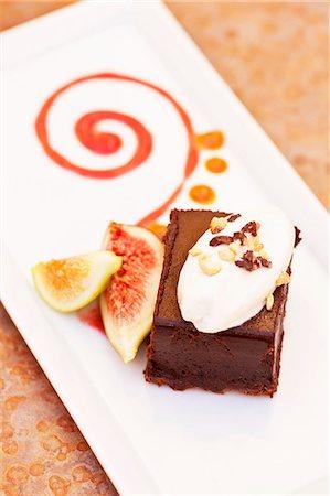 dessert - Organic Chocolate Marquis Dessert with Figs Stock Photo - Premium Royalty-Free, Code: 659-06372337