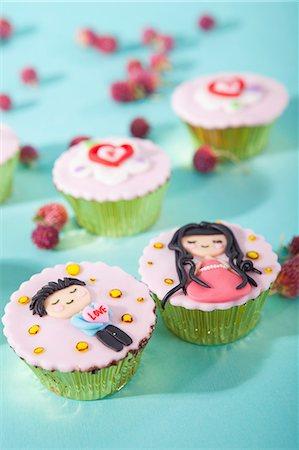 Cupcakes Stock Photo - Premium Royalty-Free, Code: 659-06372609