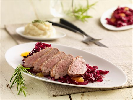 Duck breast with red cabbage Stock Photo - Premium Royalty-Free, Code: 659-06372742