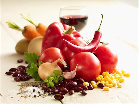 salt - Ingredients for chilli con carne Stock Photo - Premium Royalty-Free, Code: 659-06372759