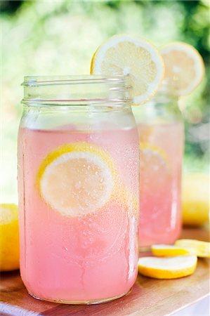 pink - Pink Lemonade in Mason Jars Stock Photo - Premium Royalty-Free, Code: 659-06373281