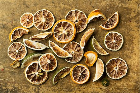 dry - Assorted Dried Citrus Fruit Stock Photo - Premium Royalty-Free, Code: 659-06373806