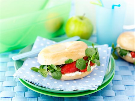 polka dot - Cream cheese and bittercress bagls for lunch Stock Photo - Premium Royalty-Free, Code: 659-06494748